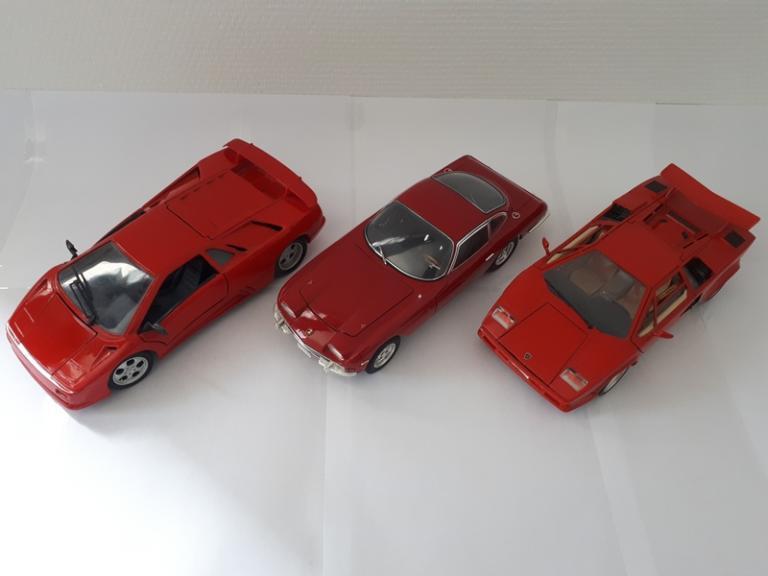 Trio rouge colère: Diablo / 350 GT / Countach 1/18