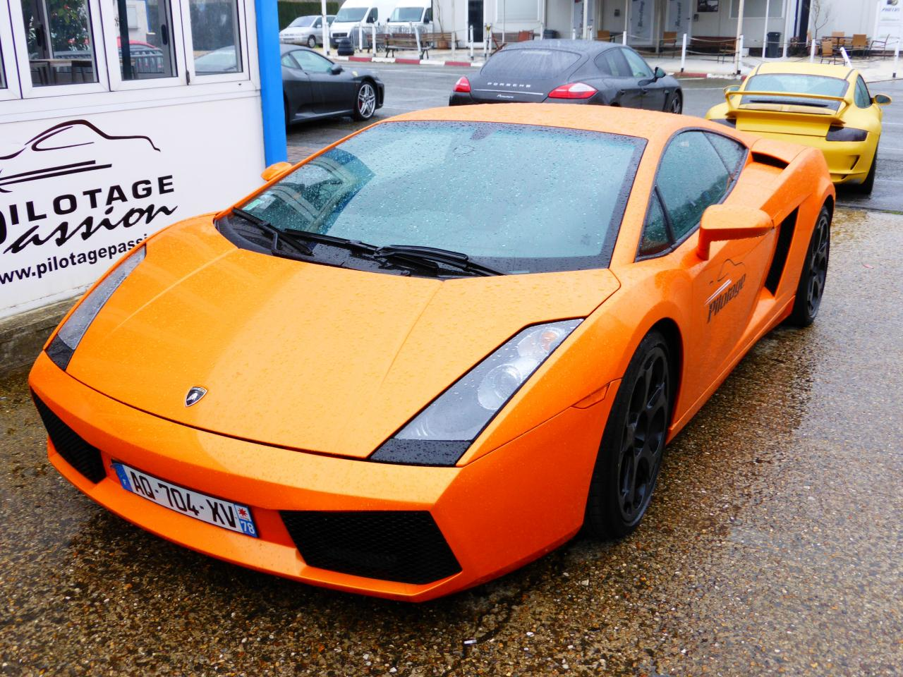 Lamborghini Gallardo orange au circuit Beltoise à Trappes (1)